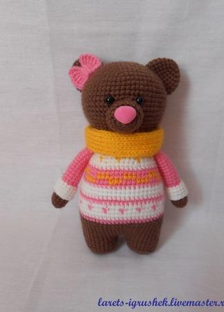 Мишка в розовом свитере ручной работы на заказ