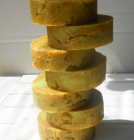 Мыло натуральное с шелком кедрово-лимонное ручной работы на заказ