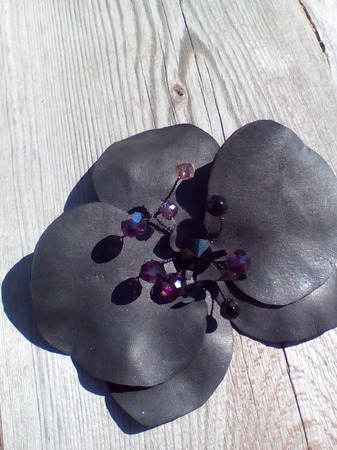 """Брошь """"Черная орхидея"""" ручной работы на заказ"""