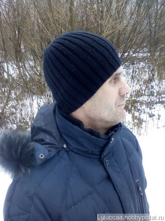Вязаная мужская шапочка ручной работы на заказ