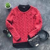 Вязаный свитер с шишечками ручной работы в Москве