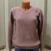Объемный женский пуловер пудрово-розового цвета