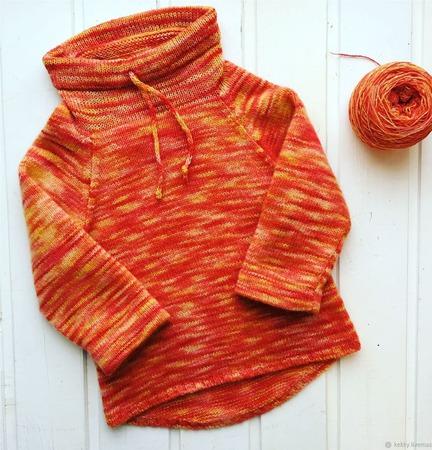 Пуловер «Мандариновое счастье» ручной работы на заказ