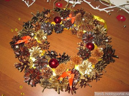 """Новогоднее интерьерное украшение """"Рождественский венок"""" ручной работы на заказ"""