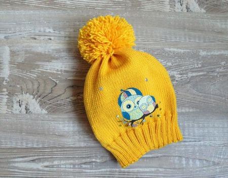 Желтая шапочка с совами ручной работы на заказ