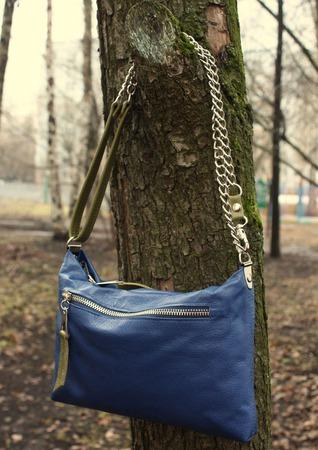 """Сумка женская  кросс-боди синяя """"Голубика""""  на длинном ремешке ручной работы на заказ"""