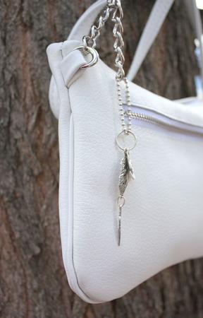 """""""Снежок"""" маленькая белая сумочка кросс-боди ручной работы на заказ"""