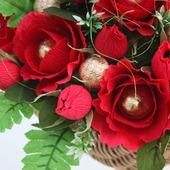Красные розы, букет из конфет