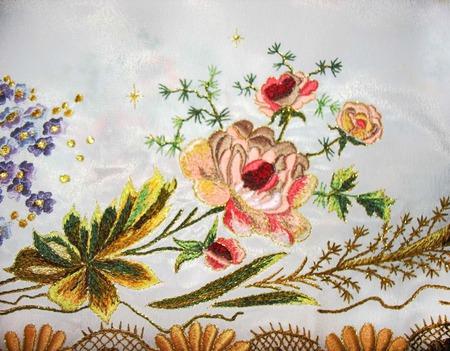 Бордюр-вышивка в стиле шебби-шик по низу изделия (любого) ручной работы на заказ