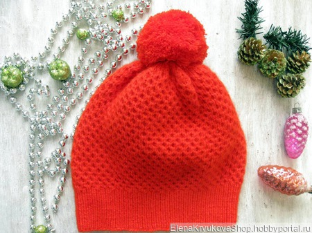 Шапочка ярко-красная из пуха норки ручной работы на заказ