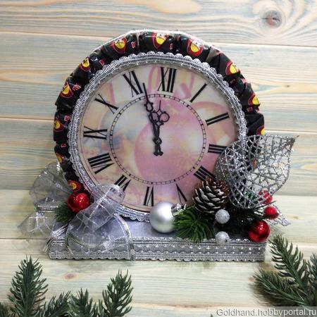 Новогодние часы из конфет и печенья ручной работы на заказ
