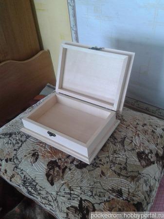 Шкатулка деревянная средняя ручной работы на заказ