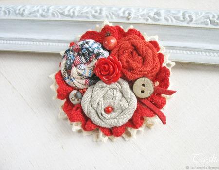 """Брошь красная бохо """"Калина"""" текстильное украшение ручной работы на заказ"""