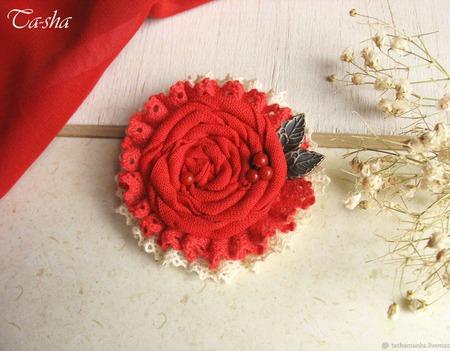 """Брошь красная бохо """"Цветочек аленький"""" текстильное украшение ручной работы на заказ"""