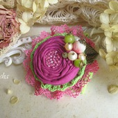 """Брошь """"Земляника"""" бохо цветок розовый салатовый"""