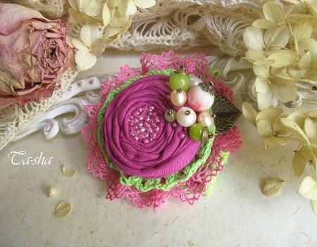 """Брошь """"Земляника"""" бохо цветок розовый салатовый ручной работы на заказ"""