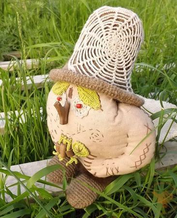 Лесной Дед-клюквенник с корзинкой - кукла интерьерная ручной работы на заказ