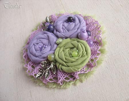 """Брошь бохо цветок """"Сиреневый сад""""  фиолетовый салатовый ручной работы на заказ"""