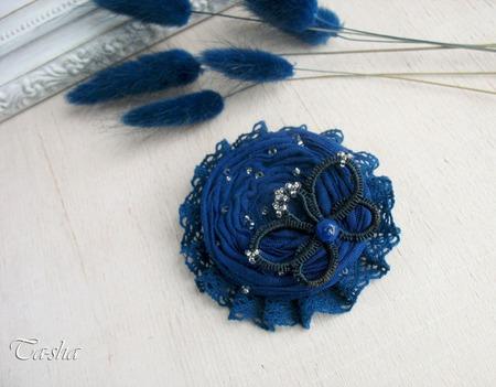 """Брошь цветок """"Синий мотылек"""" бохо украшение из ткани ручной работы на заказ"""