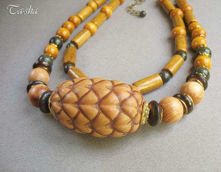"""Бусы этнические """"Мадагаскарский орех"""" колье из дерева желтые зеленые ручной работы на заказ"""