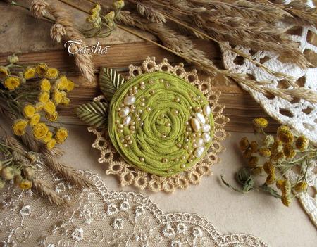 """Брошь бохо цветок """"Олива"""" фисташковый оливковый ручной работы на заказ"""