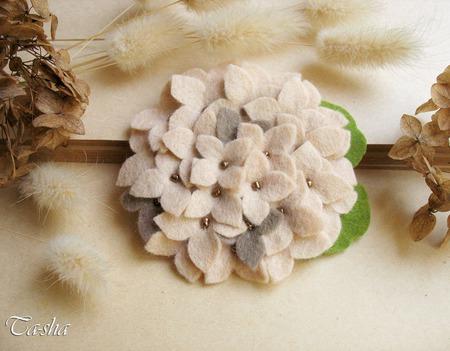 """Брошь цветок """"Гортензия сухоцвет"""" бежевый серый ручной работы на заказ"""