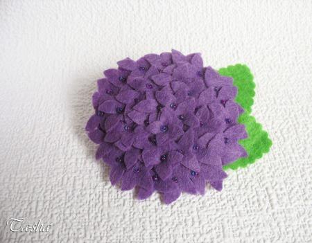"""Брошь цветок """"Гортензия лиловая"""" фиолетовое украшение ручной работы на заказ"""