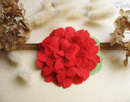 """Брошь цветок """"Гортензия красная"""" ручной работы на заказ"""