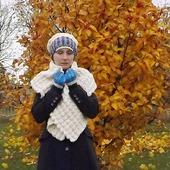 Вязаный пушистый теплый комплект - шарф-палантин, шапка-берет, митенки. Фолк