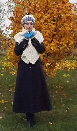 Вязаный пушистый теплый комплект - шарф-палантин, шапка-берет, митенки. Фолк ручной работы на заказ
