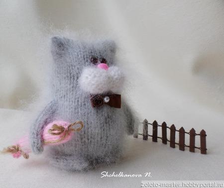 """Котик с сосисками - интерьерная игрушка """"Пушистик"""" ручной работы на заказ"""