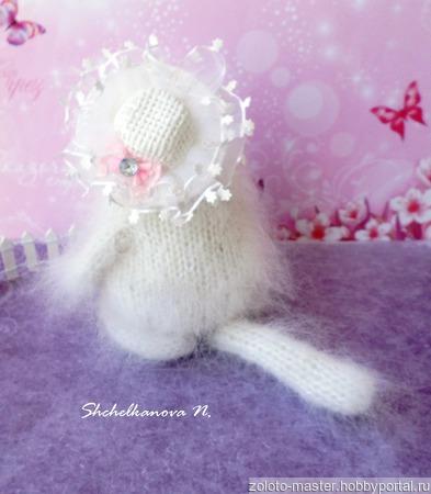 Кисонька в шляпке - интерьерная игрушка, пушистик, сувенир ручной работы на заказ