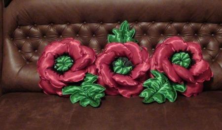 Декоративная подушка Мак ручной работы на заказ
