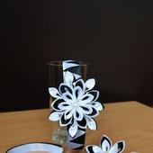 Комплект украшений из атласных лент канзаши