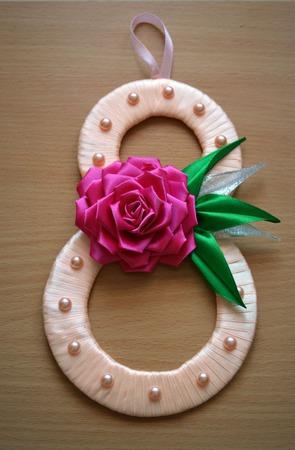 Открытка к 8 Марта с цветами из атласных лент канзаши ручной работы на заказ