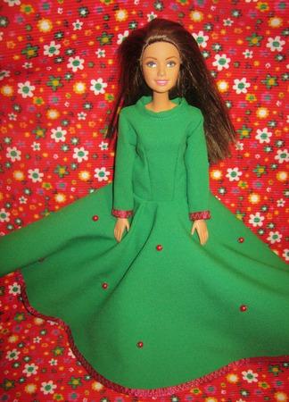 """Платье для Барби """"Земляничная поляна"""" ручной работы на заказ"""