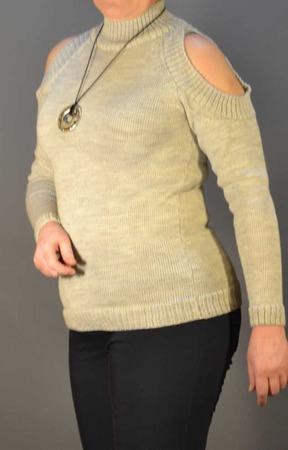 """Пуловер вязаный с открытыми плечами """"Джули"""" ручной работы на заказ"""