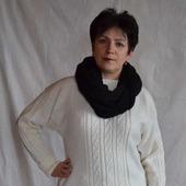 Пуловер вязаный женский с косами