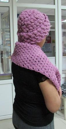 Комплект крючком шапка и шарф ручной работы на заказ