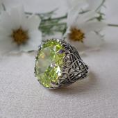 Винтажное кольцо с крупным камнем