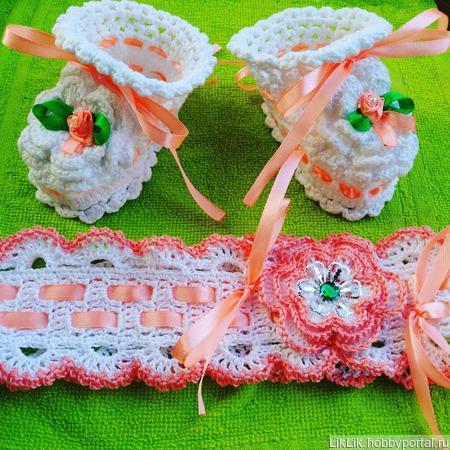 Комплект: повязка+пинетки ручной работы на заказ