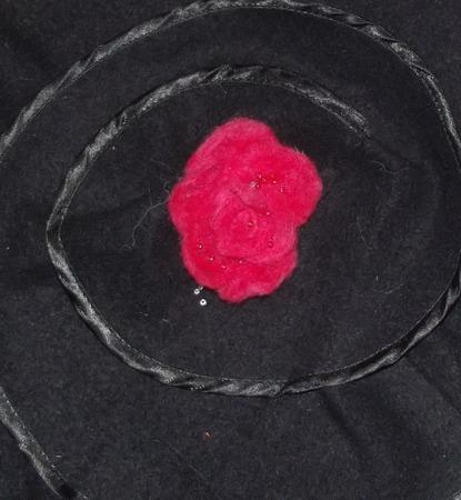 Брошь валяная Северная роза ручной работы на заказ