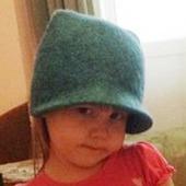 Валяная шапка детская