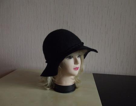 Шляпка из шерсти Черная ночь ручной работы на заказ