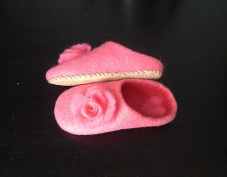 Валяные тапочки для маленьких принцесс ручной работы на заказ