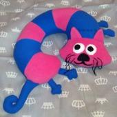 Подушка под шею Кот в мешке