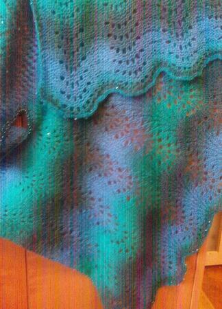 Ажурный жилет Аква ручной работы на заказ