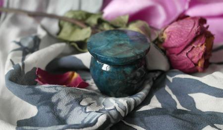 Жемчужина на леске-невидимке вместе со шкатулкой ручной работы на заказ