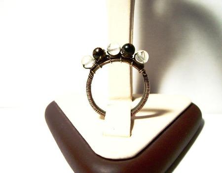 Кольцо из меди с пятью агатами ручной работы на заказ
