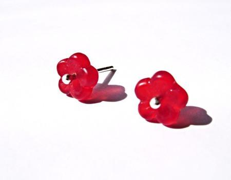 Серьги-гвоздики из серебра и чешского стекла-красные ручной работы на заказ